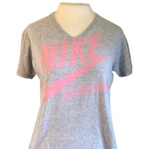NIKE V Neck Logo Tee Shirt Gray Pink M